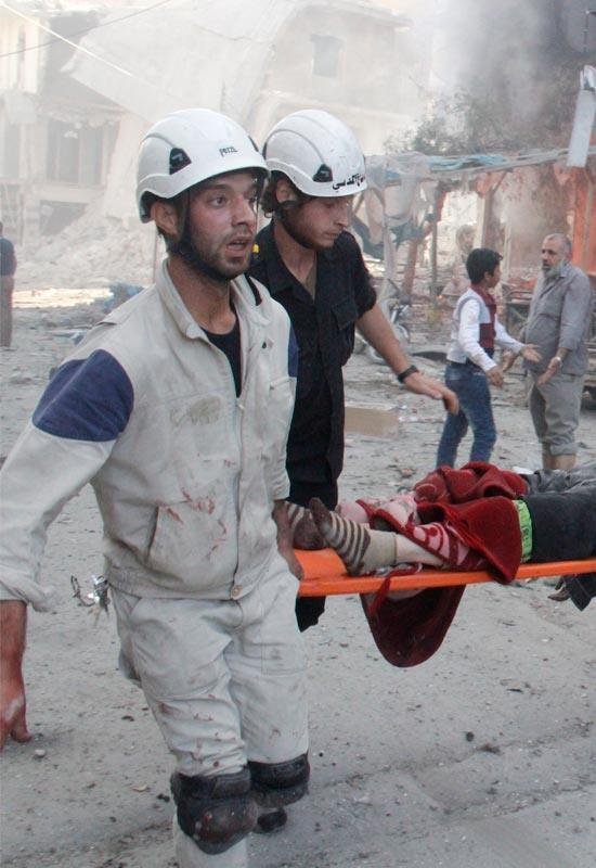 White Helmets help Syrian victims